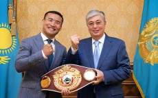The Head of State receives Kanat Islam, professional boxer